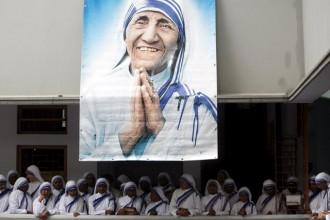 Mother-Teresa-Sisters-s